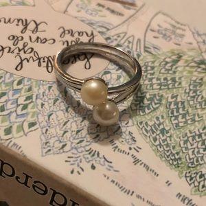 Vantel Pearl adjustable ring.  Cream color pearls